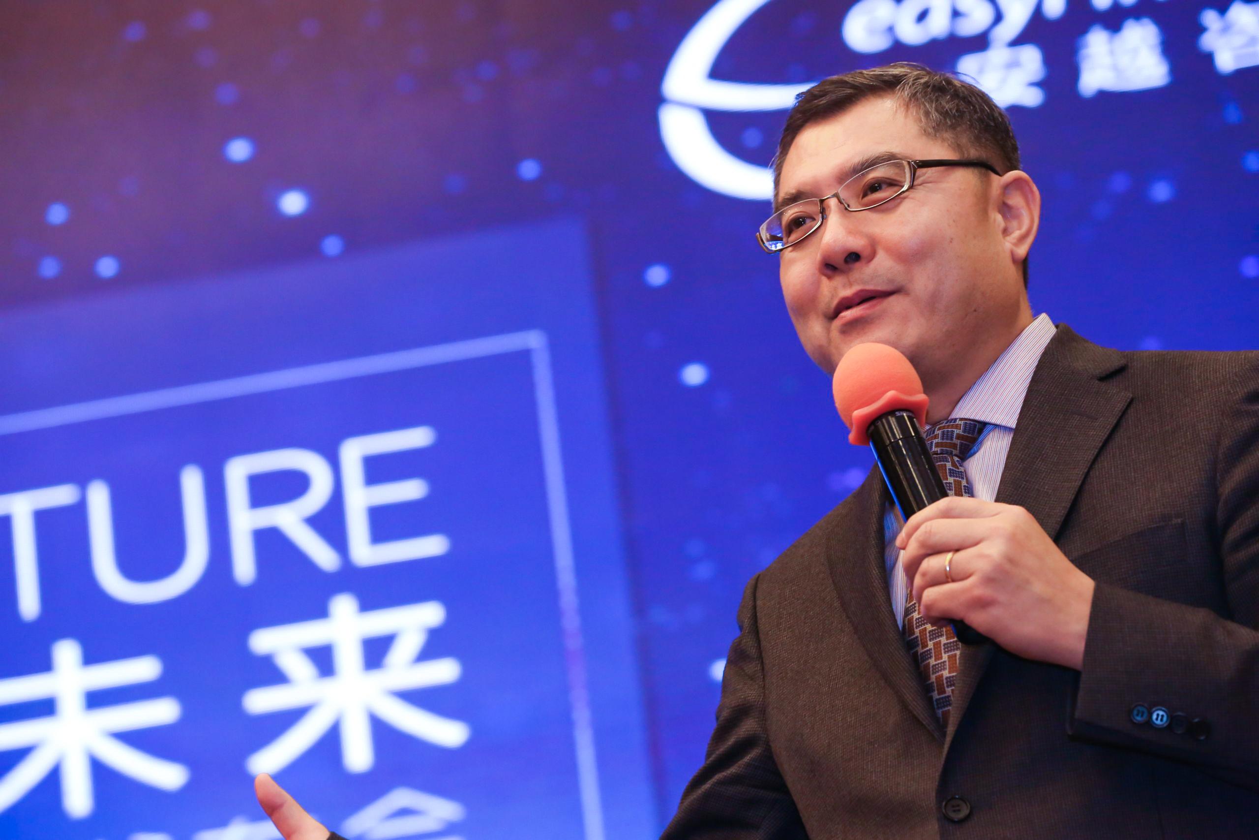 IMA亚太区总监 白俊江先生  上台致辞